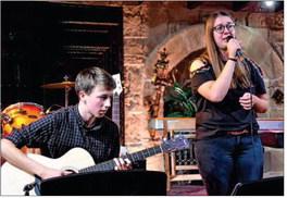 Gitarrenkonzert der Klasse Klaus Leopold begeistert die Zuschauer Pressebericht der Acher-Rench-Zeitung